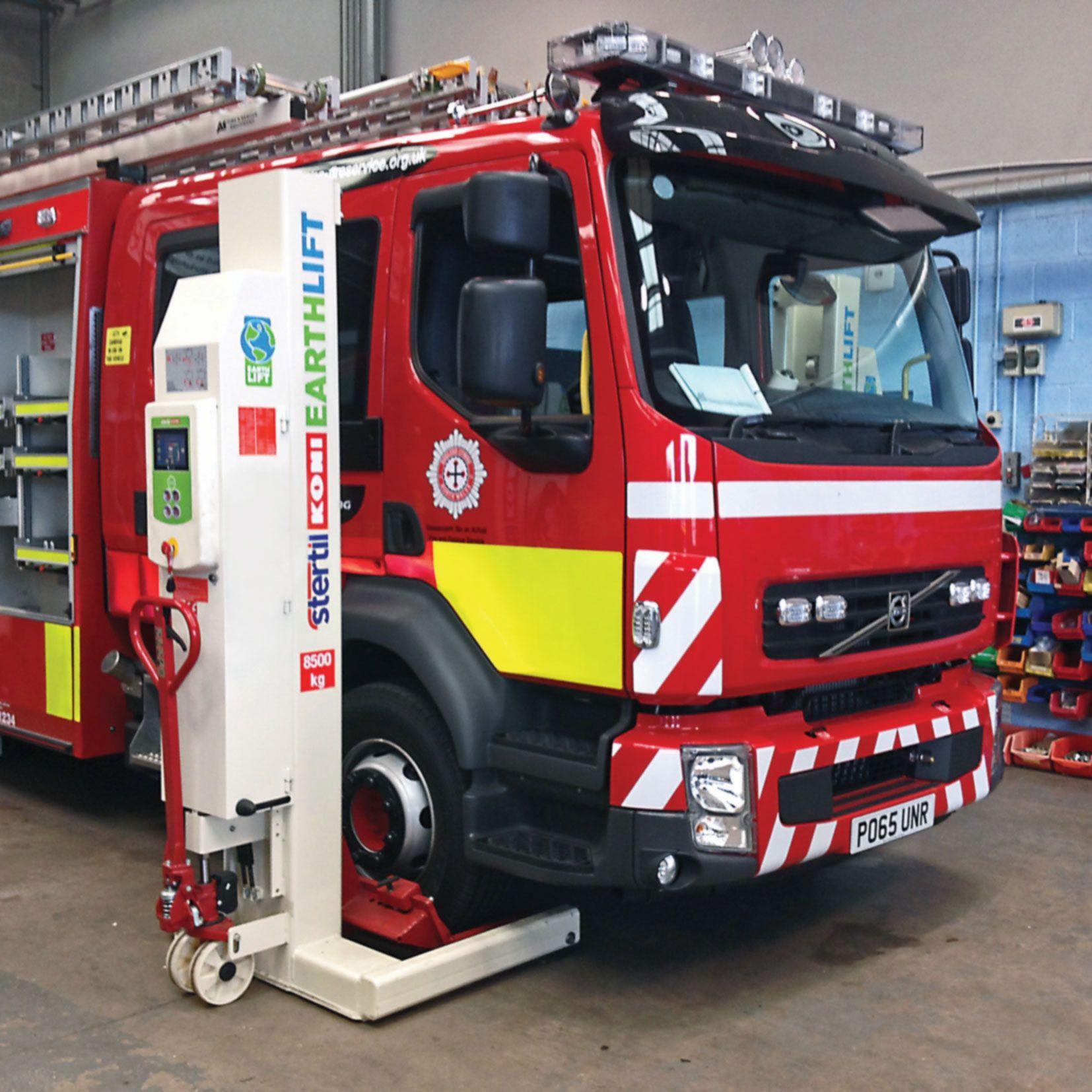 Feuerwehr Nord Wales Baut Auf Earthlift Stertil Koni